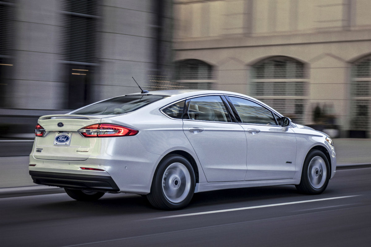 Release Date & Updated Trim Levels for 2019 Ford Fusion Lineup