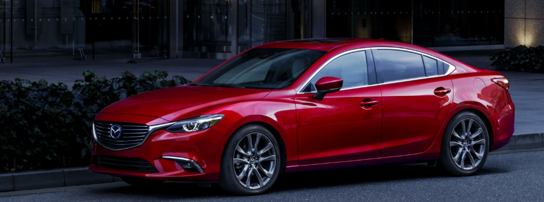 Does the 2017 Mazda6 have leather seats?