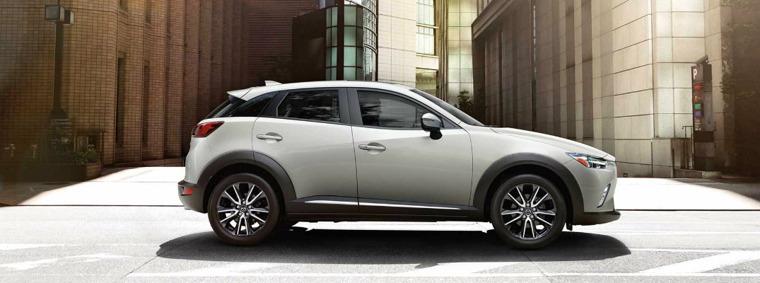Does the 2017 Mazda CX-3 come with a navigation system?