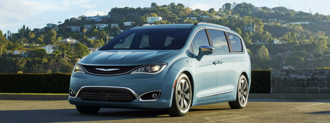 How to charge the 2017 Chrysler Pacifica Hybrid