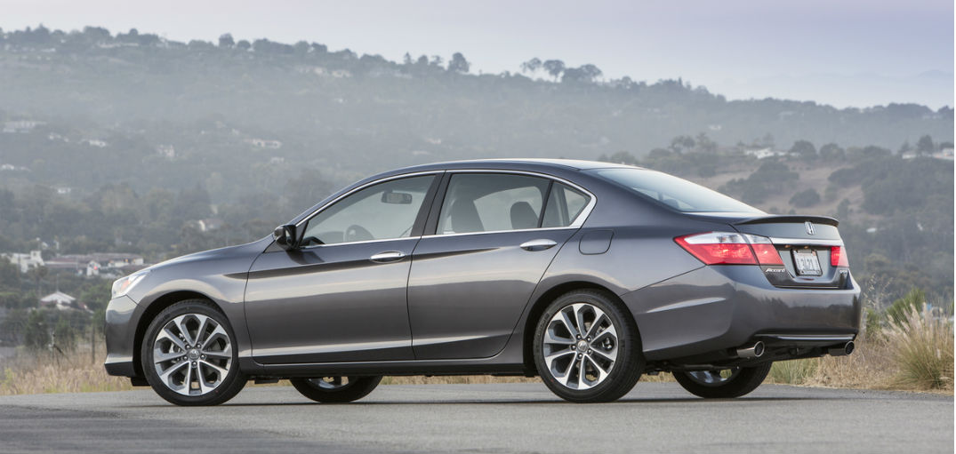 features  options of the 2015 honda accord sport  ex and