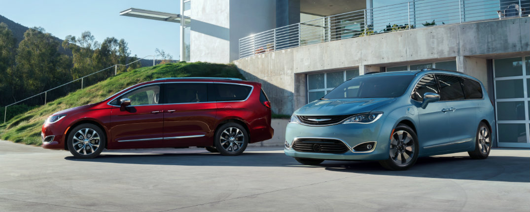 2017 chrysler pacifica minivan hybrid gets 80 miles per gallon. Black Bedroom Furniture Sets. Home Design Ideas