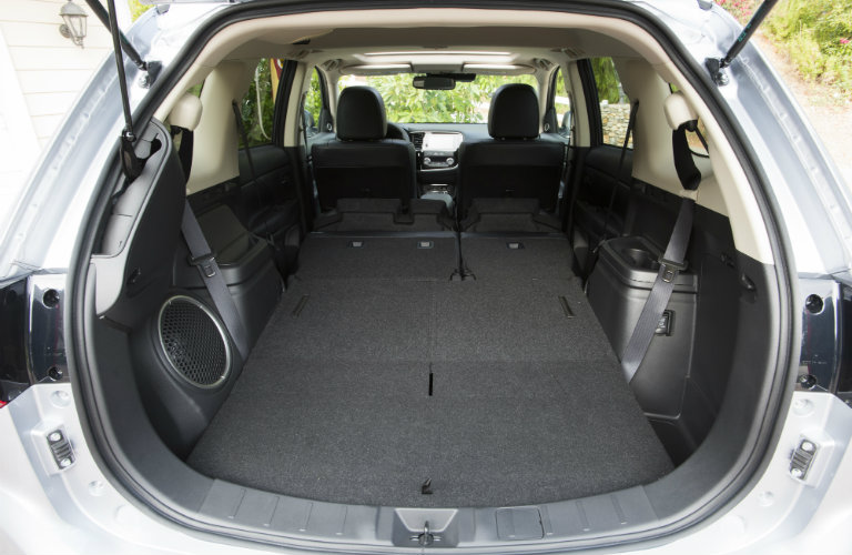 How many passengers does the mitsubishi outlander seat - Mitsubishi outlander 2017 interior ...