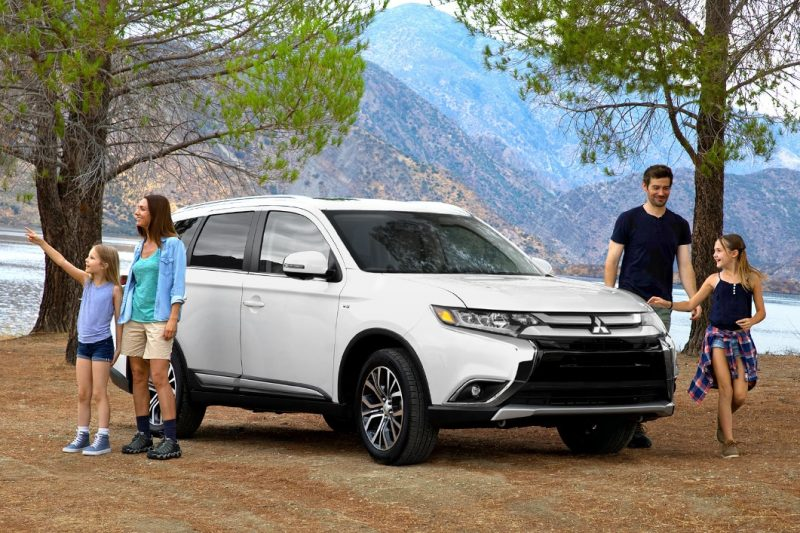 2018 mitsubishi outlander in white camping