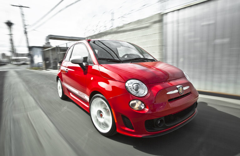 2017 fiat 500 pop vs lounge vs abarth. Black Bedroom Furniture Sets. Home Design Ideas