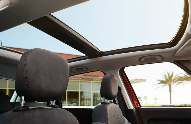 2017 Fiat 500L sunroof