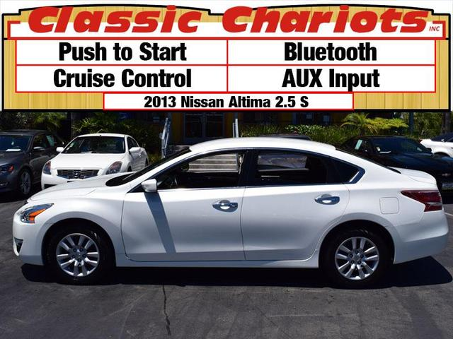 used nissan altima classic chariots. Black Bedroom Furniture Sets. Home Design Ideas