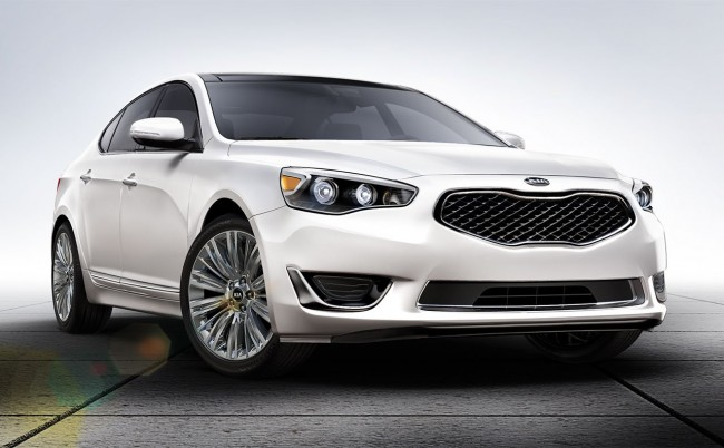 Let the 2014 Kia Cadenza bring you back home