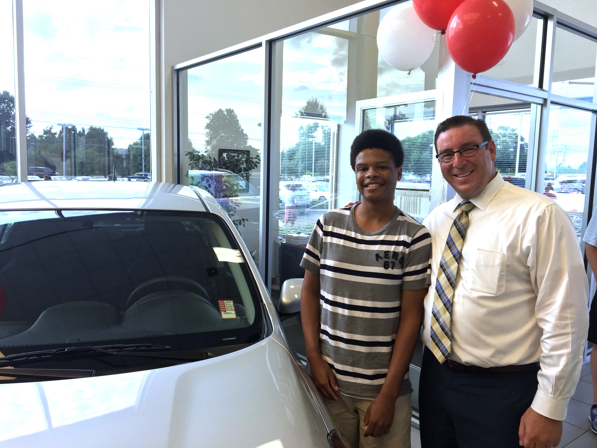 gallatin student wins free car for good grades newton nissan. Black Bedroom Furniture Sets. Home Design Ideas