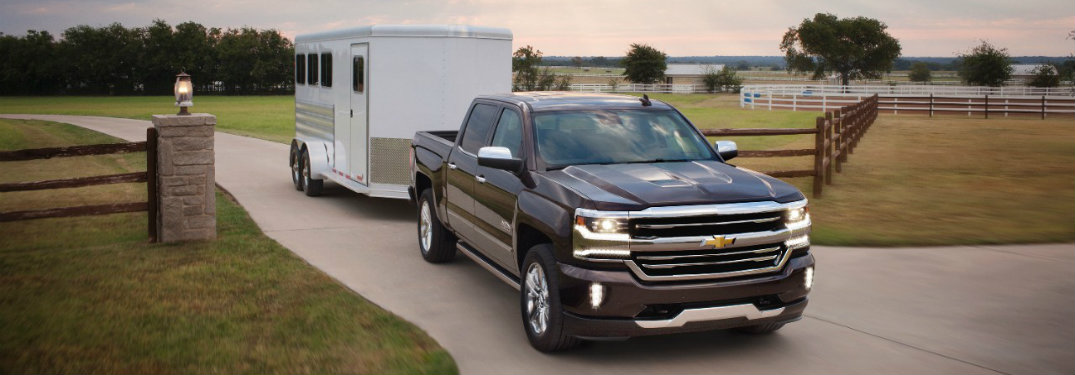 2016 chevy colorado vs silverado vs silverado hd. Black Bedroom Furniture Sets. Home Design Ideas