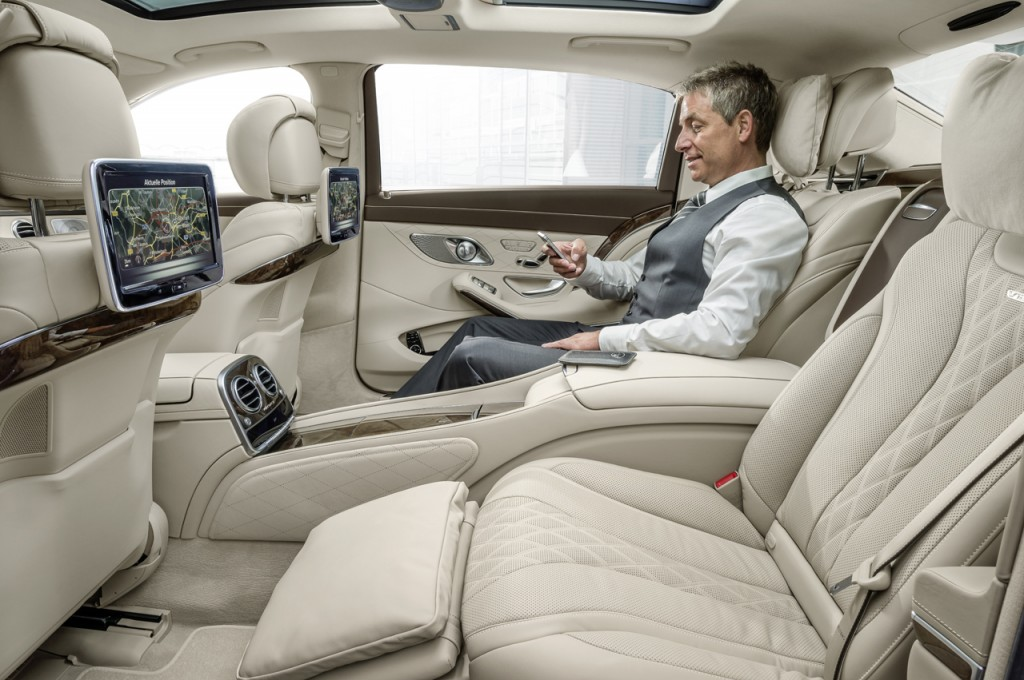 2016 Mercedes-Maybach S600 Video Display