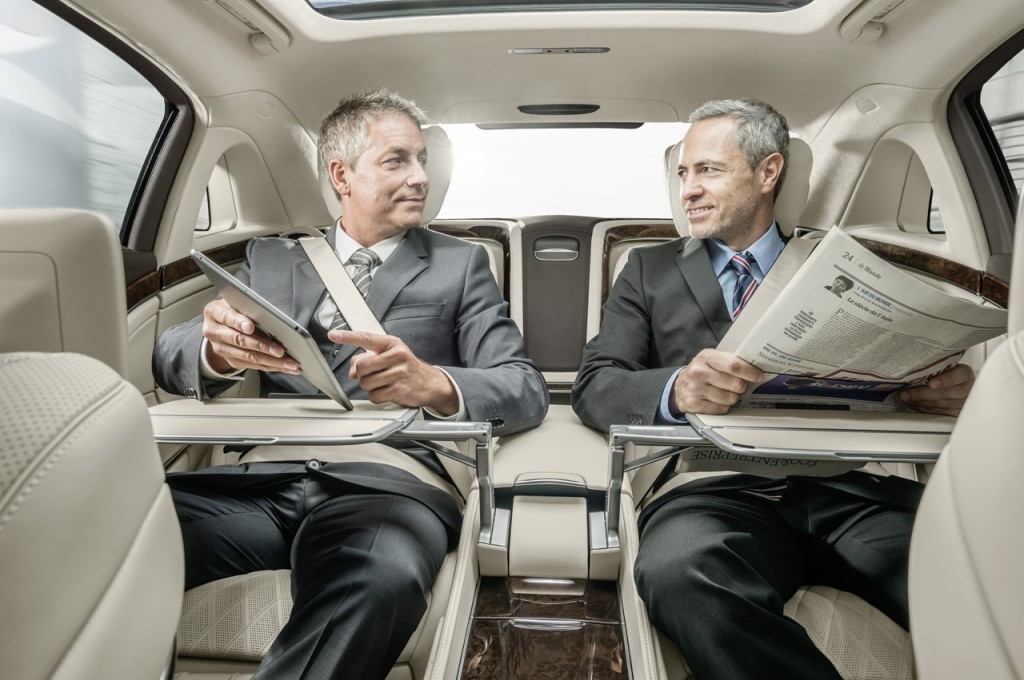 2016 Mercedes-Maybach S600 Tables