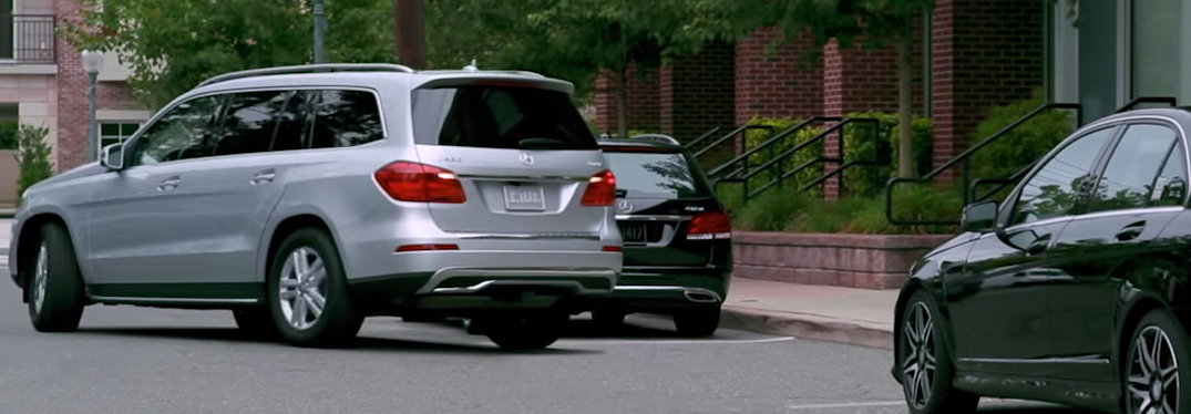 Mercedes benz park assist video for Mercedes benz assist