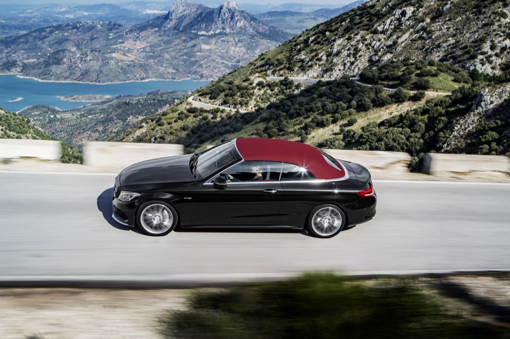 2017 Mercedes-Benz C-Class Cabriolet Highway Driving
