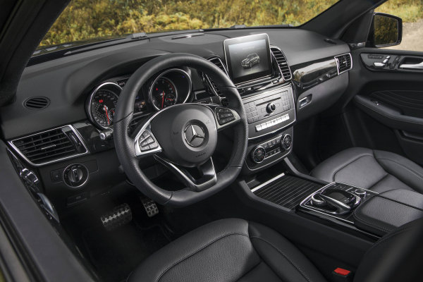 2017 Mercedes-AMG GLE43 Interior Features