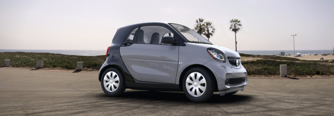What is the turning radius of a smart car?