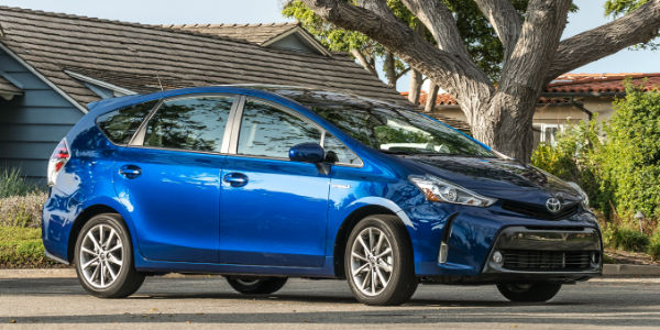 how to tell the difference between toyota prius models. Black Bedroom Furniture Sets. Home Design Ideas
