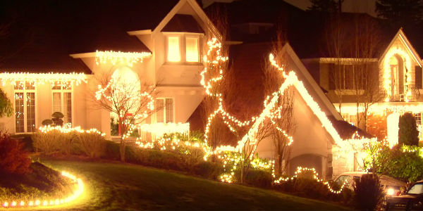 house with holiday lights on it in white - Christmas Lights In Dayton Ohio