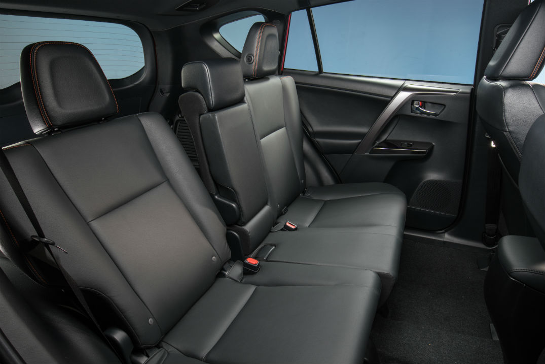 How do I install a car seat in a Toyota RAV4