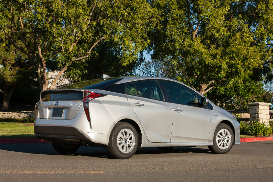 On sale date for the 2017 Toyota Prius