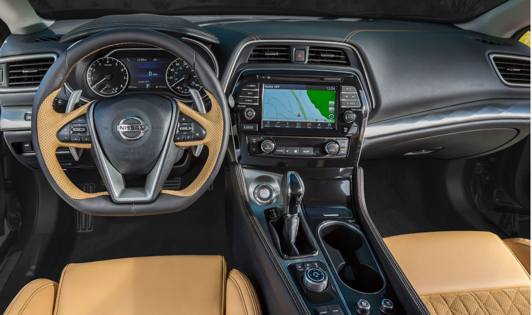 2016 Nissan Maxima pictures and pricing