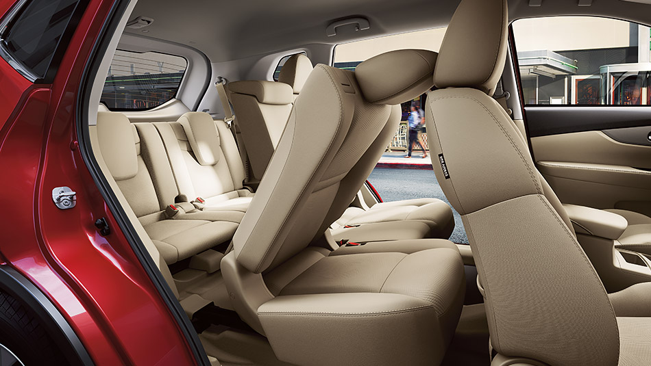 2016 Nissan Rogue passenger and cargo space