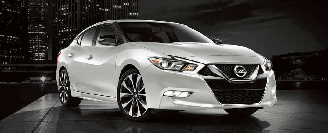 refined and exciting to drive sums up new 2017 nissan maxima. Black Bedroom Furniture Sets. Home Design Ideas
