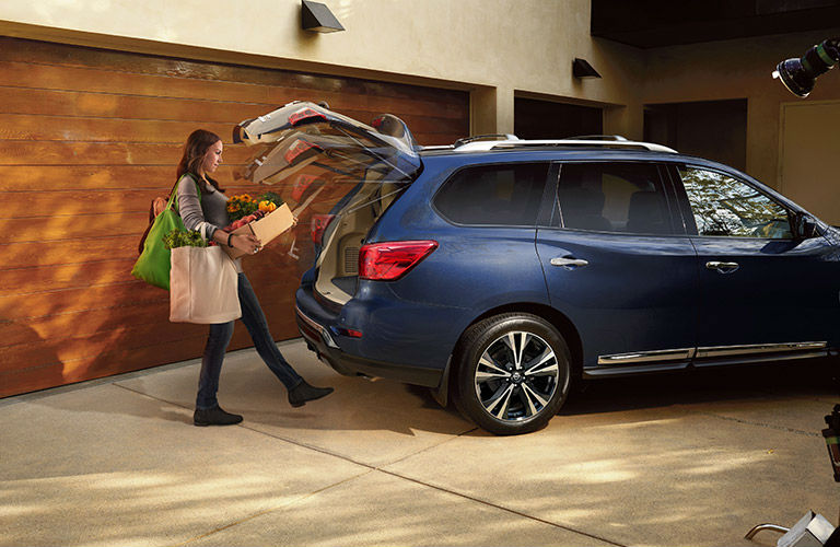 2017 nissan pathfinder versatility and capability. Black Bedroom Furniture Sets. Home Design Ideas