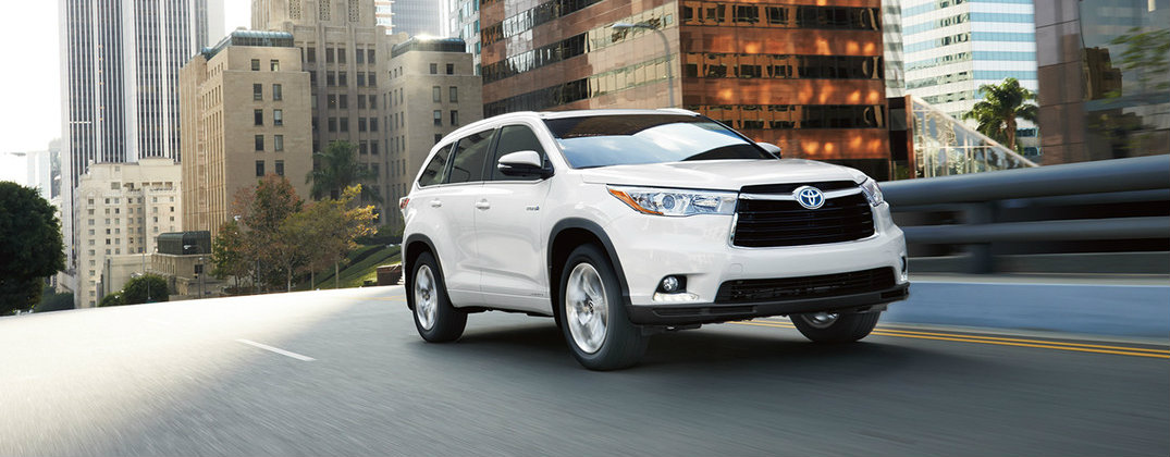 2016 toyota highlander hybrid features and fuel economy. Black Bedroom Furniture Sets. Home Design Ideas