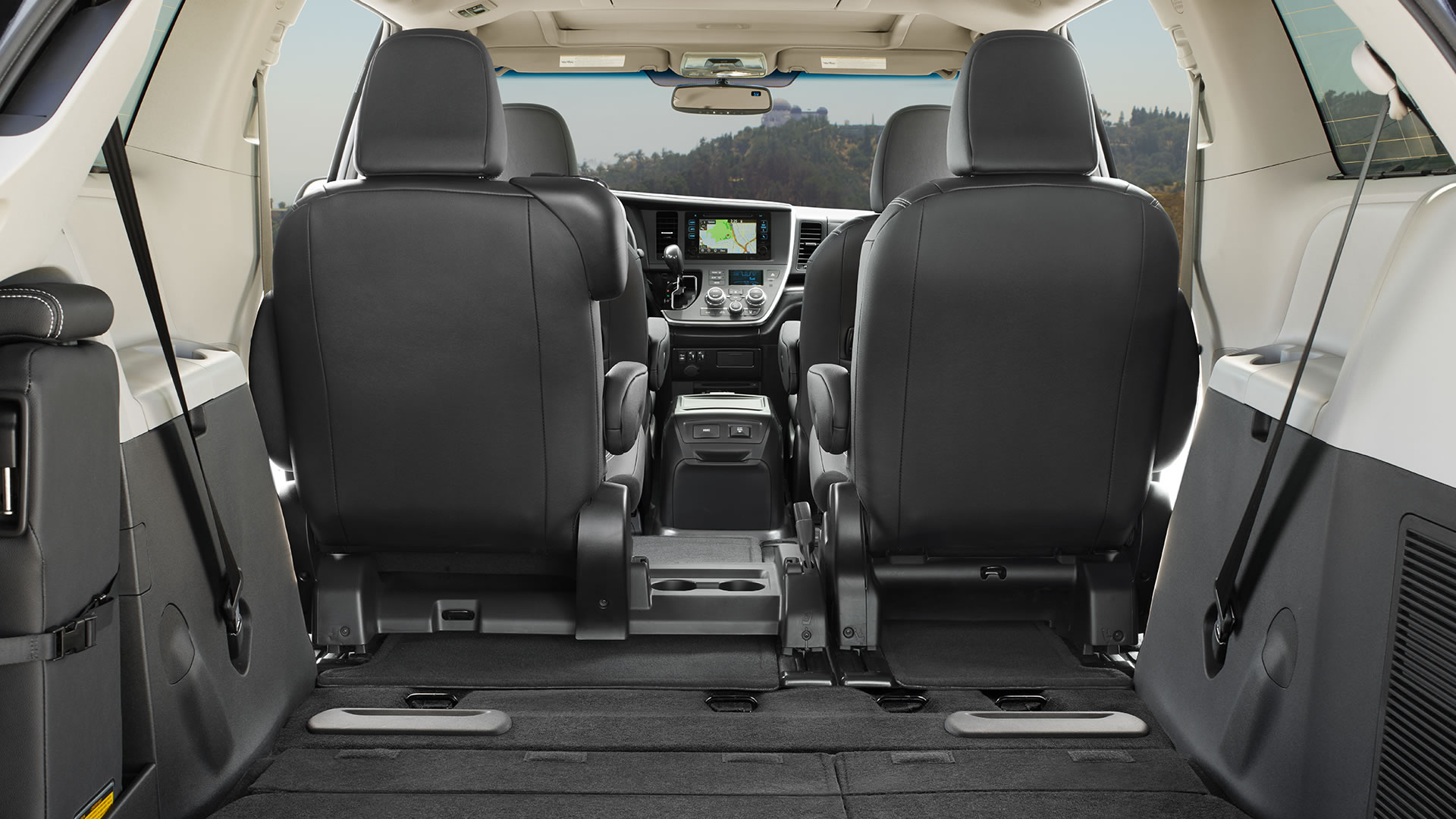 how much room does the 2017 toyota sienna have. Black Bedroom Furniture Sets. Home Design Ideas