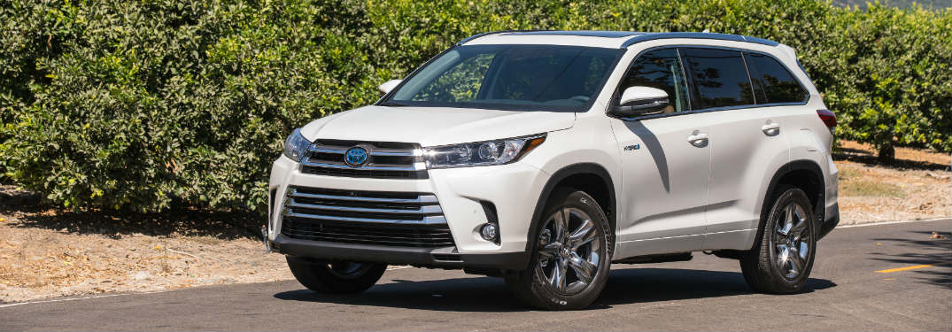 2016 toyota highlander cargo and passenger space. Black Bedroom Furniture Sets. Home Design Ideas