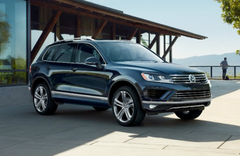 2018 volkswagen atlas vs 2017 volkswagen touareg pricing. Black Bedroom Furniture Sets. Home Design Ideas