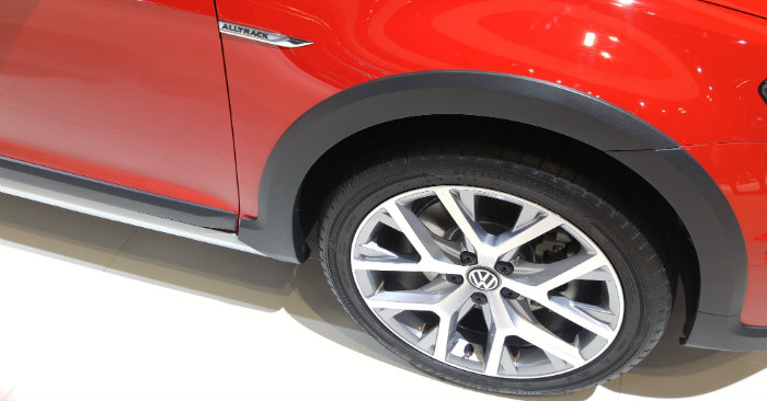 2017 vw golf sportwagen alltrack wheel design
