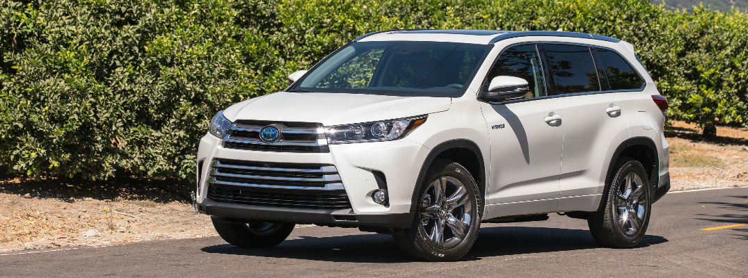 2017 Toyota Highlander Hybrid Technology and Performance Features