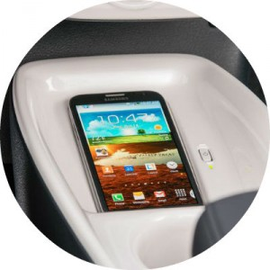 is apple carplay available in the 2016 toyota prius. Black Bedroom Furniture Sets. Home Design Ideas