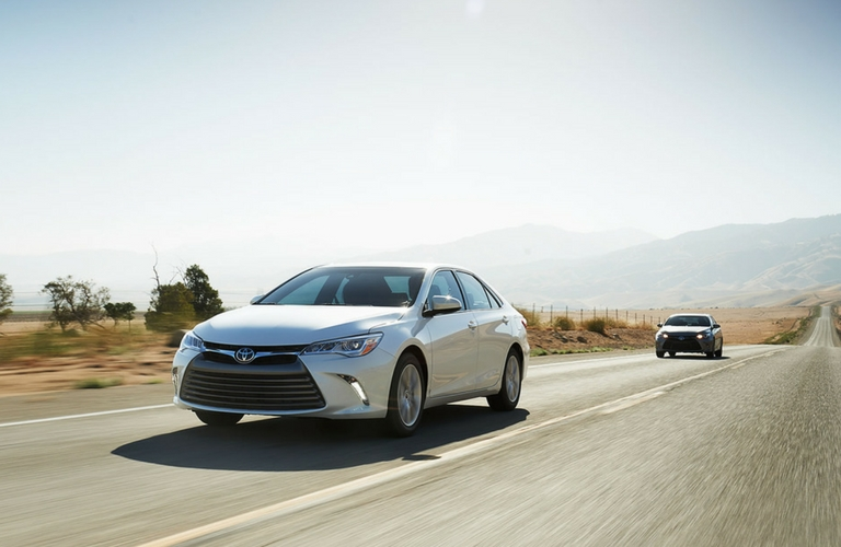 2017 toyota camry le vs xle trim comparison. Black Bedroom Furniture Sets. Home Design Ideas