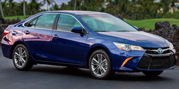 2017 Toyota Camry Hybrid Exterior View in Blue