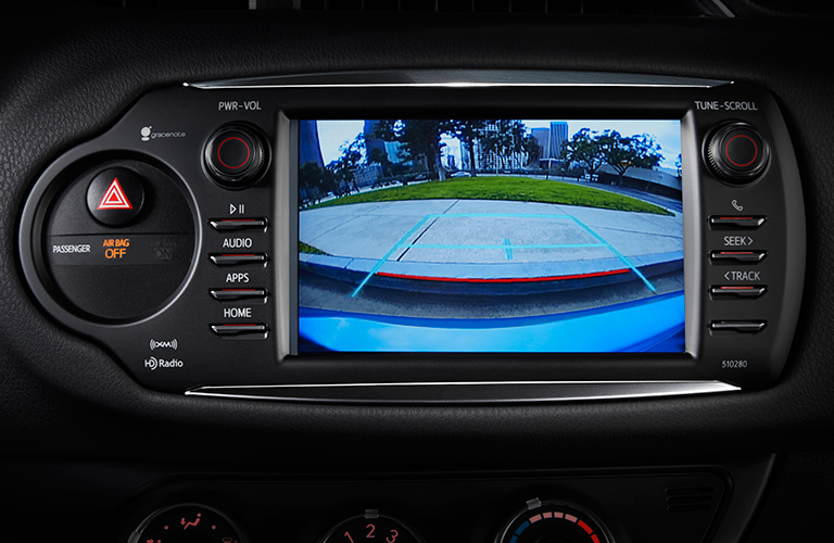 2018 toyota yaris se. brilliant 2018 rearview camera in 2018 toyota yaris with toyota yaris se