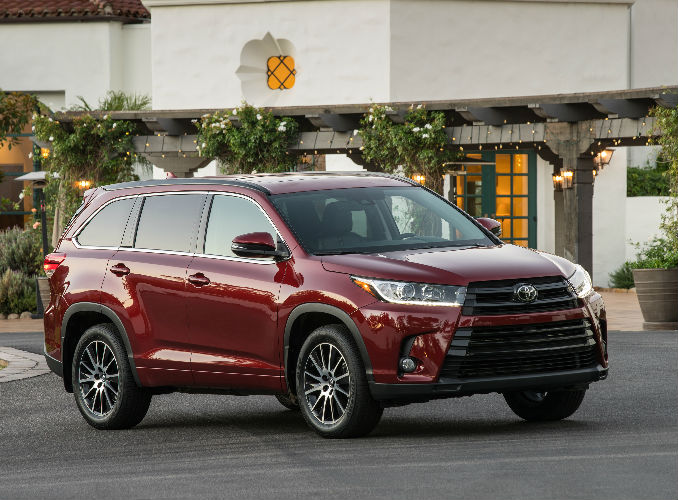 Toyota Highlander Seating >> 2018 Toyota Highlander Seating Capacity And Cargo Space