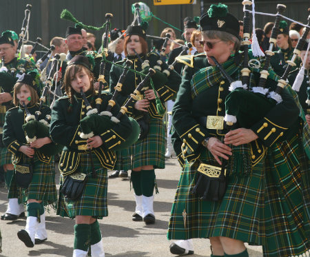 st patricks day parade with bagpipes