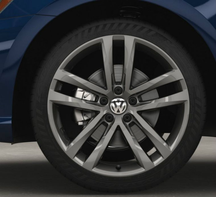 wheel design on the 2016 vw passat r-line