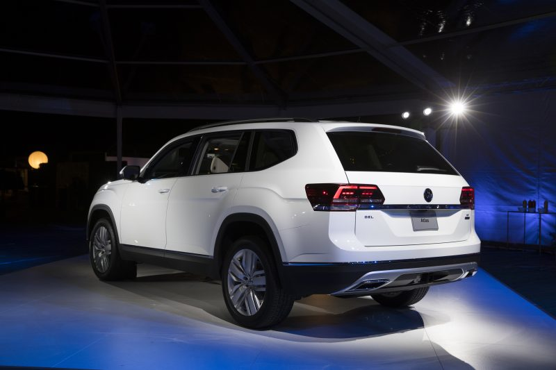 2018 volkswagen atlas exterior rear white