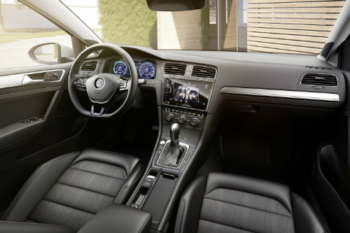 2017 e-Golf interior veiw with dash and steering wheel