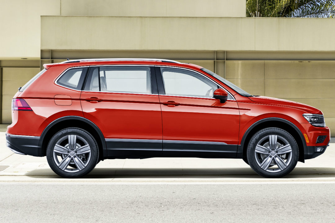 2018 VW Tiguan red profile view
