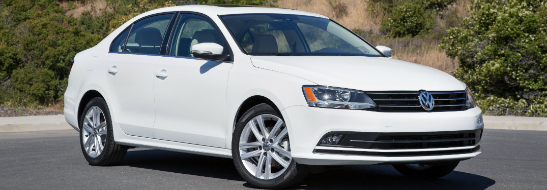 What gas mileage does the 2018 Volkswagen Jetta get?