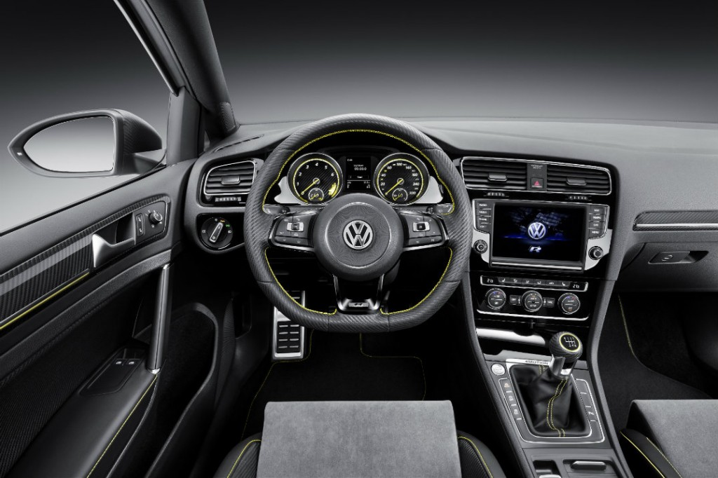 2016 VW Golf R400 interior photo