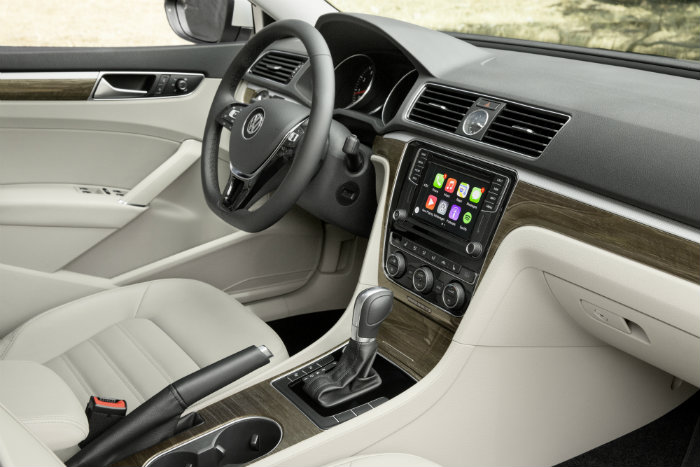 2016 VW Passat Interior and Technology