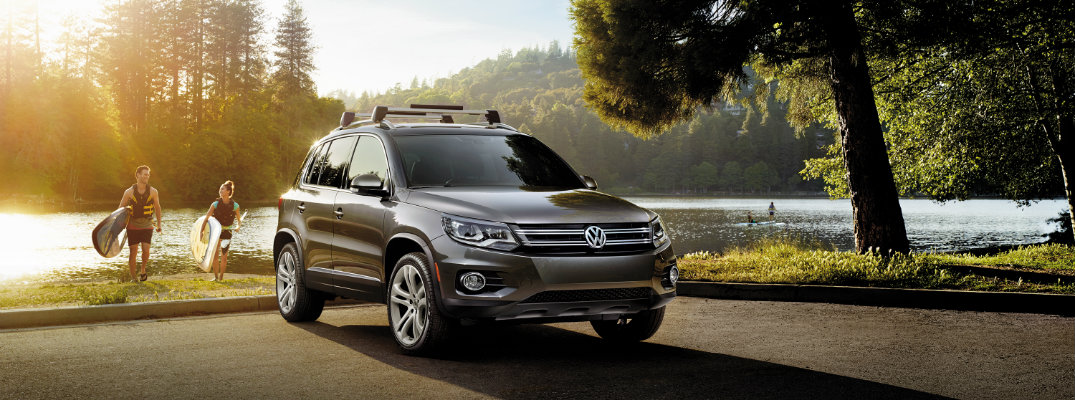 2016 volkswagen tiguan with roof rails at lake