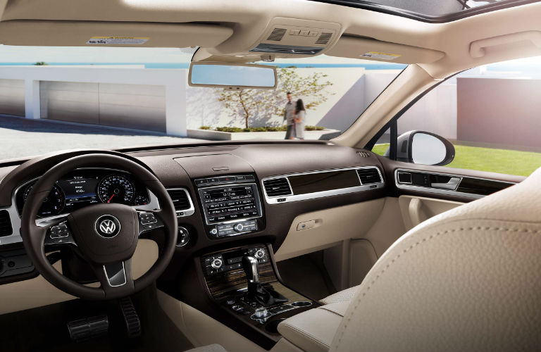 What Driver Assistance Features Does 2017 Vw Touareg Offer