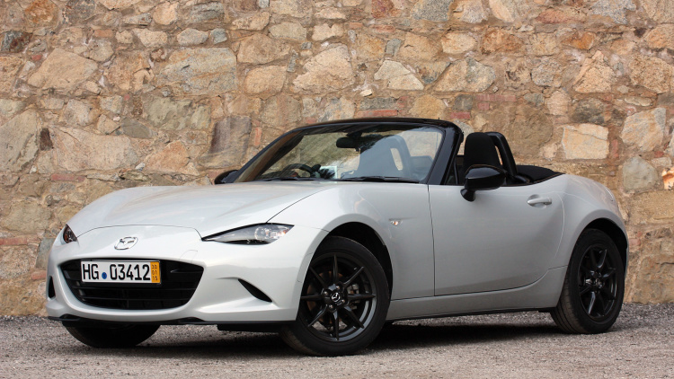 new 2016 miata offers new infotainment system. Black Bedroom Furniture Sets. Home Design Ideas